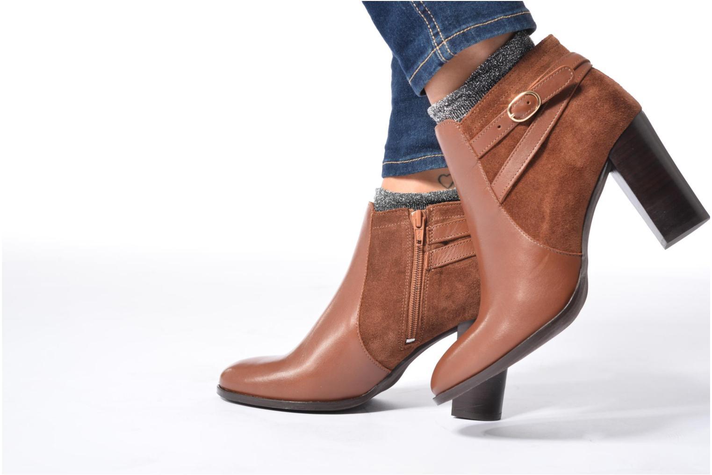 Bottines et boots Georgia Rose Cefema Marron vue bas / vue portée sac