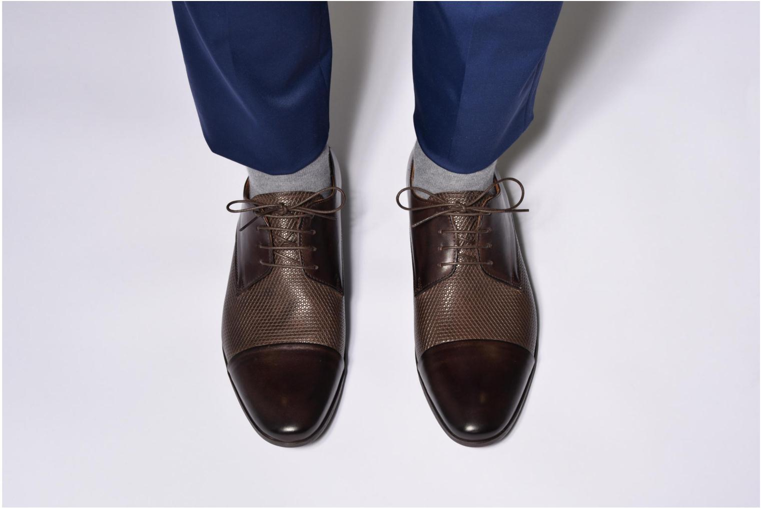 Lace-up shoes Marvin&co Nutley Brown view from underneath / model view