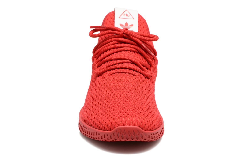 Baskets Adidas Originals Pharrell Williams Tennis Hu Rouge vue portées chaussures