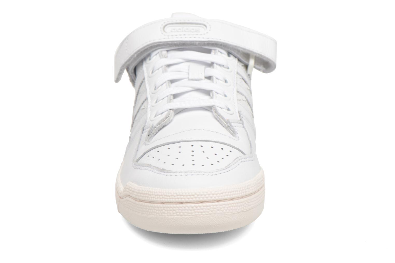 Baskets Adidas Originals Forum Lo W Blanc vue portées chaussures