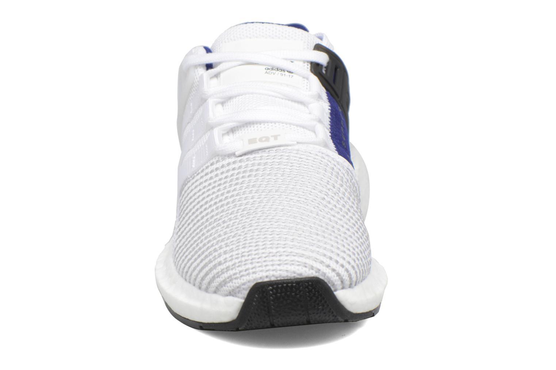 Baskets Adidas Originals Eqt Support 93/17 Blanc vue portées chaussures