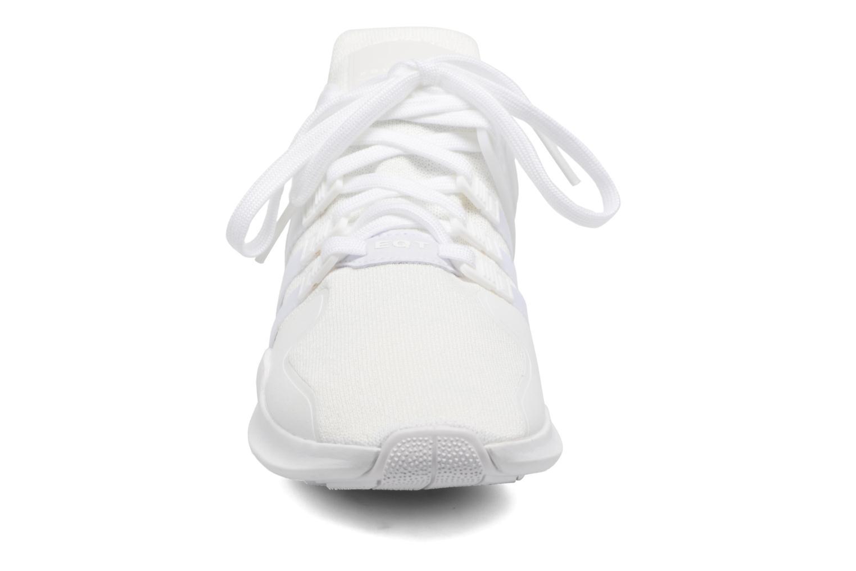 Baskets Adidas Originals Eqt Support Adv2 Blanc vue portées chaussures