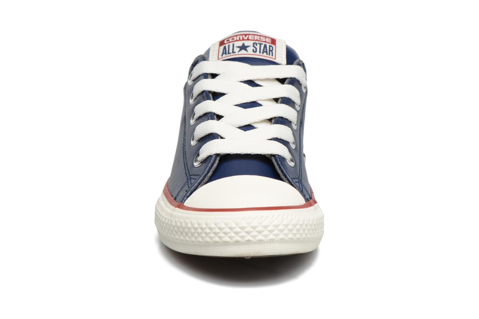 Chuck Taylor All Star Street Holiday Leather Midnight Navy/Terra Red/Egret