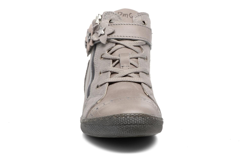 Baskets Primigi Asia Argent vue portées chaussures