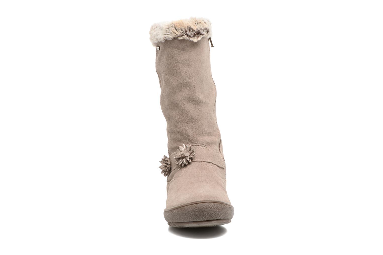 Bottes Primigi Ilaria Gris vue portées chaussures