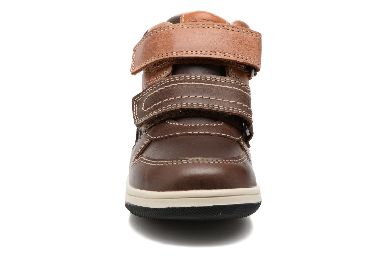 Baskets Geox B New Flick B. A B741LA Marron vue portées chaussures