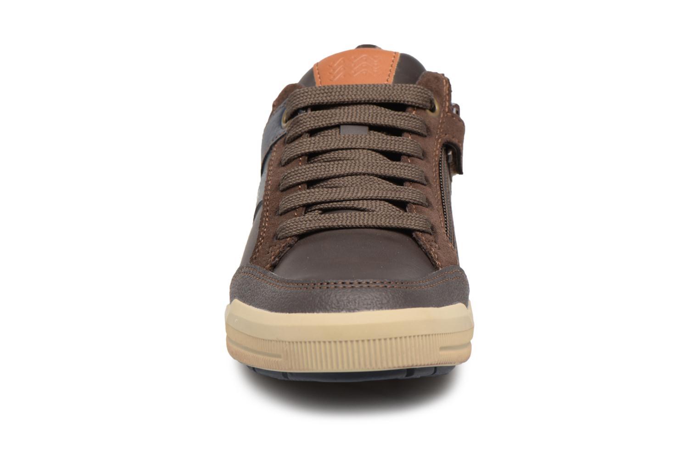 Baskets Geox J Arzach B. I  J744AI Marron vue portées chaussures