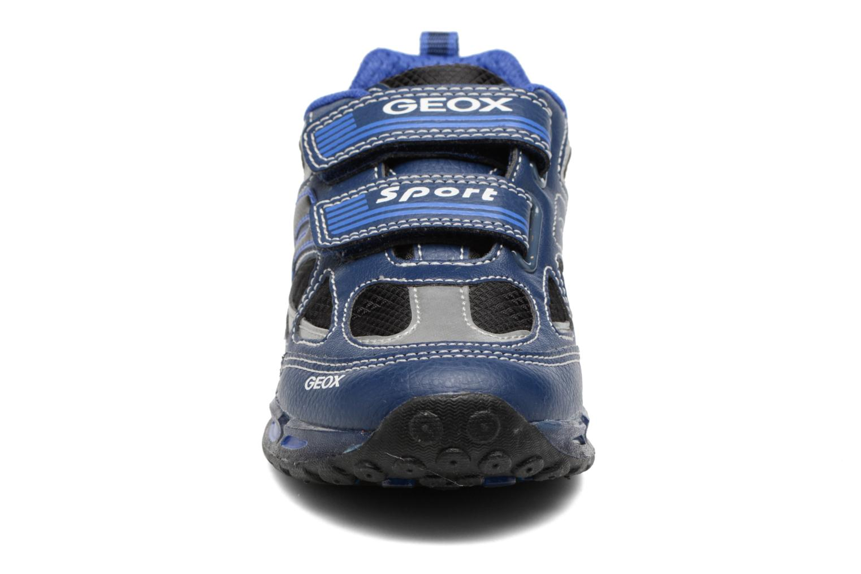 Baskets Geox J Shuttle B. A J7494A Bleu vue portées chaussures