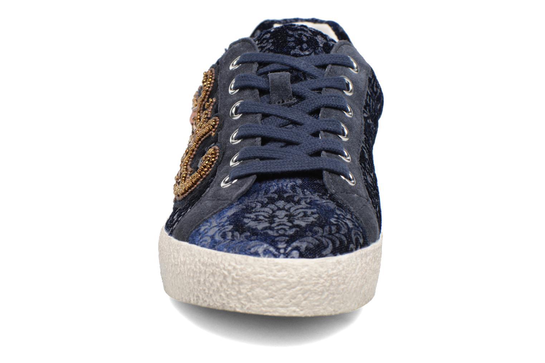Baskets Ash Nymphea Bleu vue portées chaussures