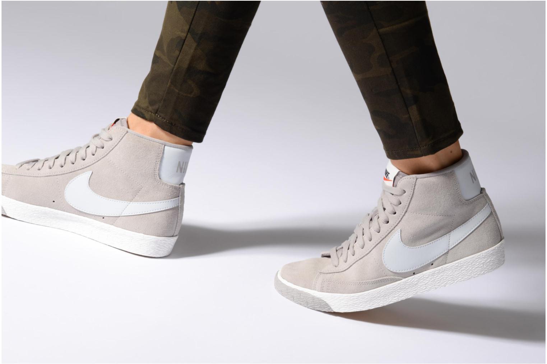 Baskets Nike Wmns Blazer Mid Vntg Suede Gris vue bas / vue portée sac
