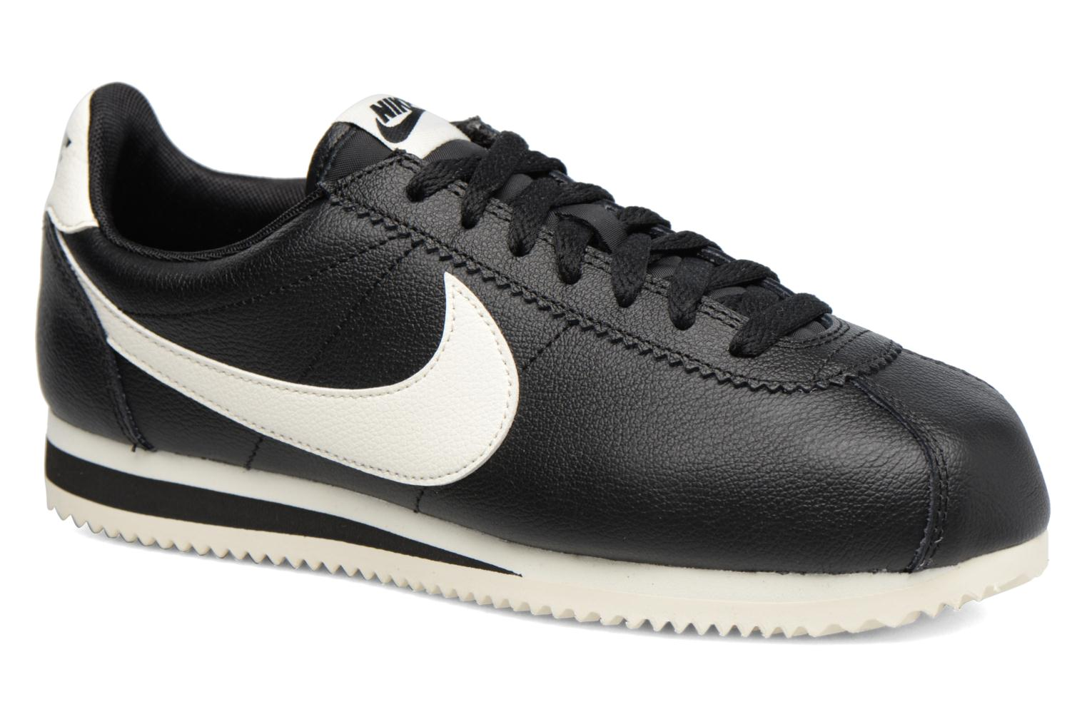 Trainers Nike Classic Cortez Leather Se Black detailed view/ Pair view