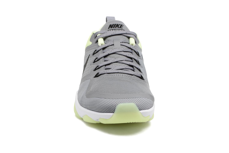 Chaussures de sport Nike Wmns Nike Air Zoom Fitness Gris vue portées chaussures