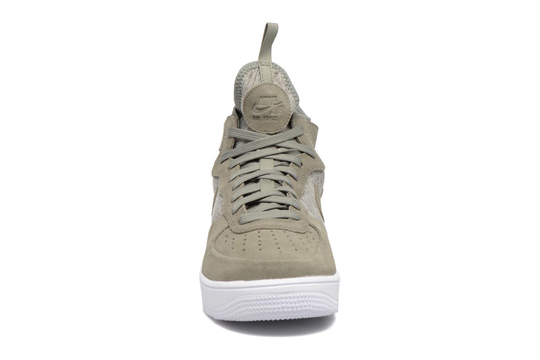 Baskets Nike Air Force 1 Ultraforce Mid Prm Vert vue portées chaussures