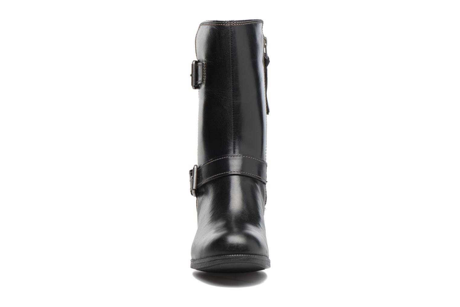Boots & wellies Clarks Maypearl Oasis Black model view