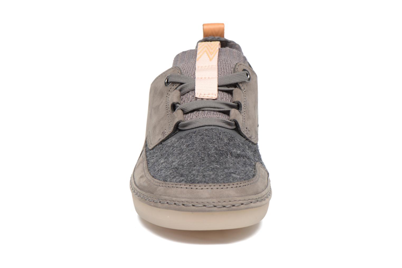 Baskets Clarks Nature IV. Gris vue portées chaussures