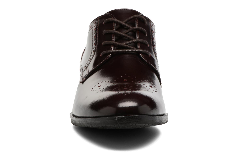 Chaussures à lacets Clarks Netley Rose Bordeaux vue portées chaussures