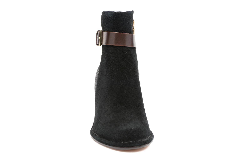 Bottines et boots Clarks Spiced River Noir vue portées chaussures