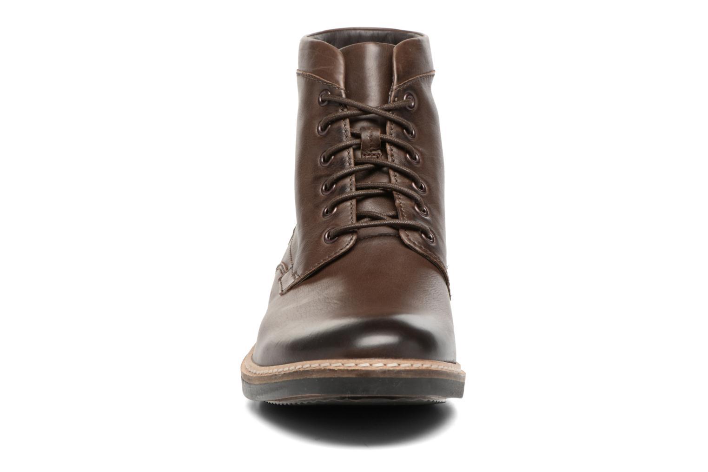 Bottines et boots Clarks Blackford Hi Marron vue portées chaussures