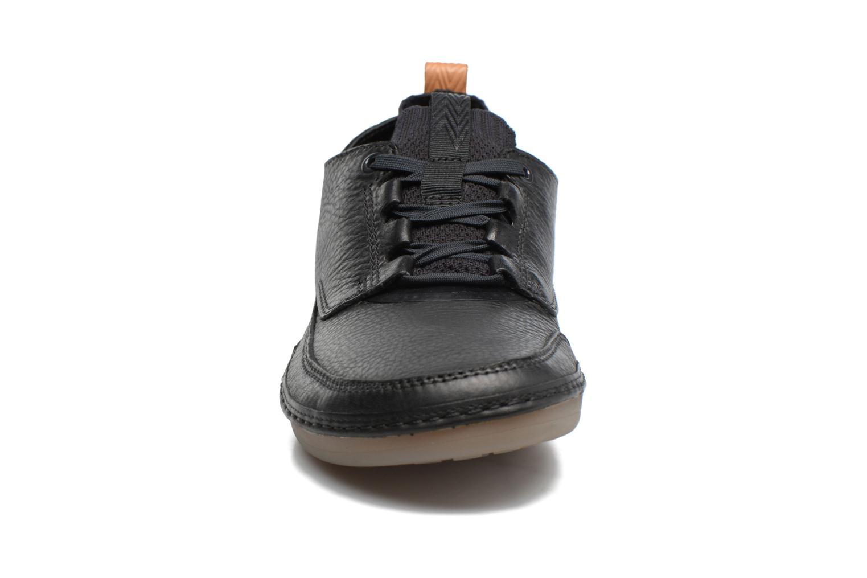 Baskets Clarks Nature IV. Noir vue portées chaussures