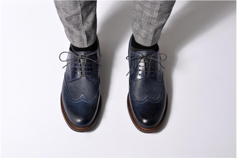 Chaussures à lacets Mr SARENZA Nubia Marron vue bas / vue portée sac