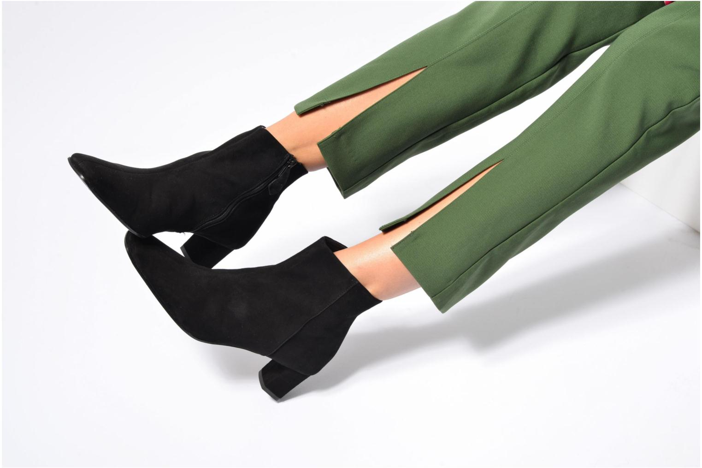 Ankle boots Elizabeth Stuart Erza 300 Black view from underneath / model view