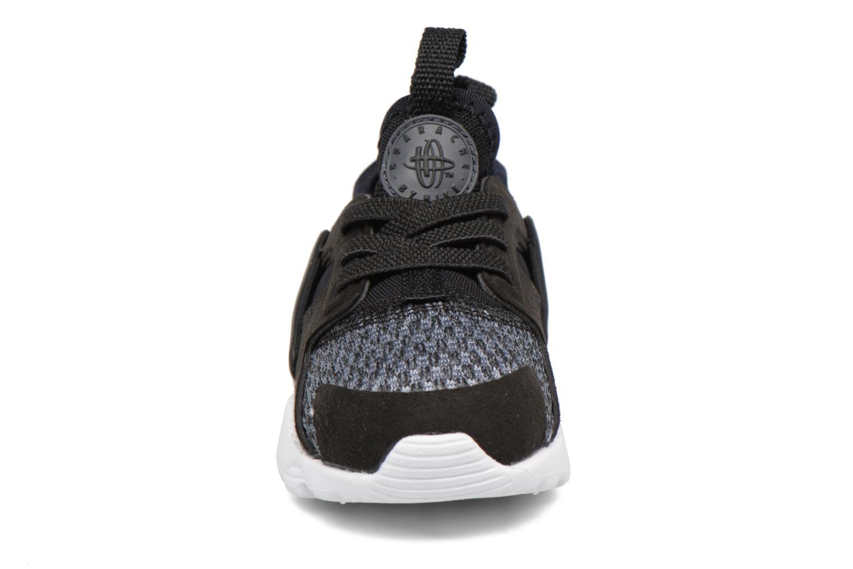 Baskets Nike Huarache Run Ultra Se (Td) Gris vue portées chaussures