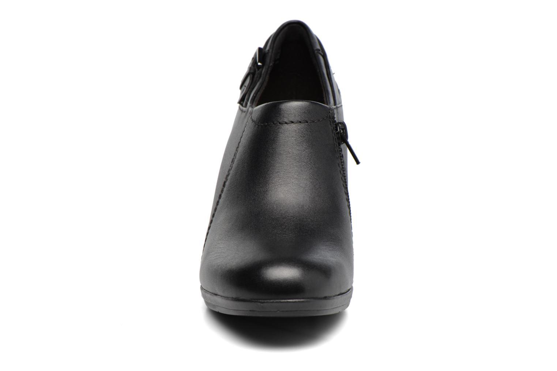 Bottines et boots Clarks Brynn Harper Noir vue portées chaussures
