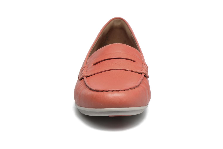 Mocassins Clarks Un Terra Orange vue portées chaussures