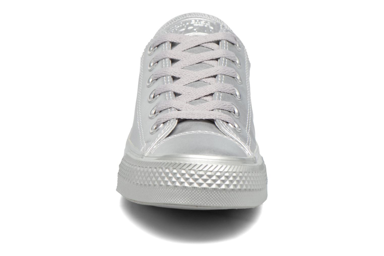 Baskets Converse Chuck Taylor All Star Liquid Metallic Ox Argent vue portées chaussures