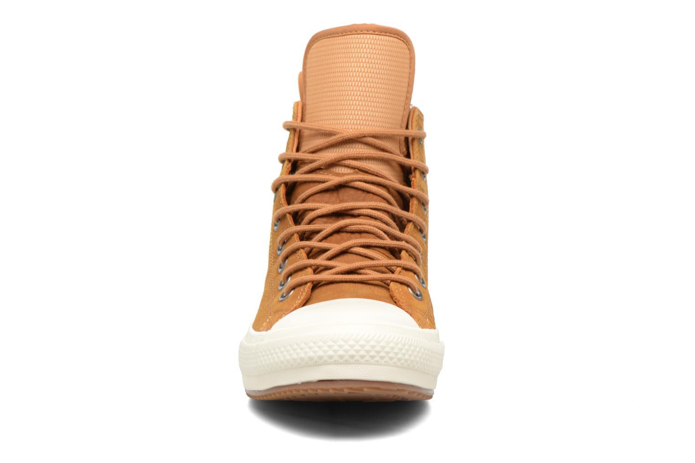 Baskets Converse Chuck Taylor WP Boot Nubuck Hi Marron vue portées chaussures