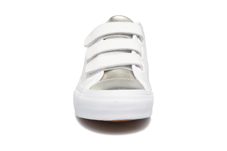 Baskets Vans Prison Issue 2 E Blanc vue portées chaussures