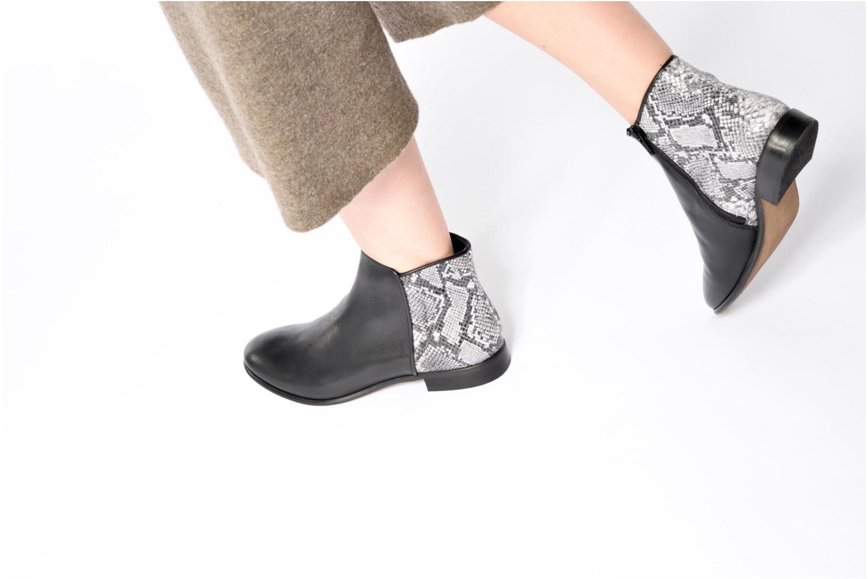 Bottines et boots Georgia Rose Anouser Noir vue bas / vue portée sac
