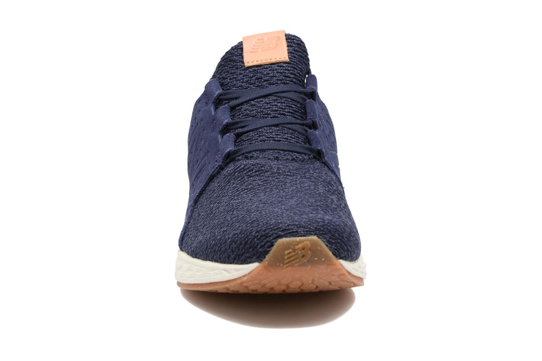 Chaussures de sport New Balance MCRUZ Bleu vue portées chaussures