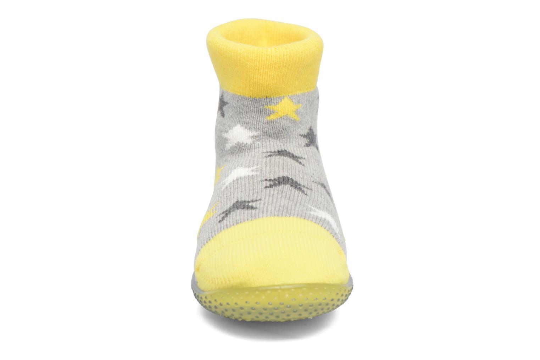 Chaussettes et collants SARENZA POP Chaussons Chaussettes POP  Slippers Jaune vue portées chaussures