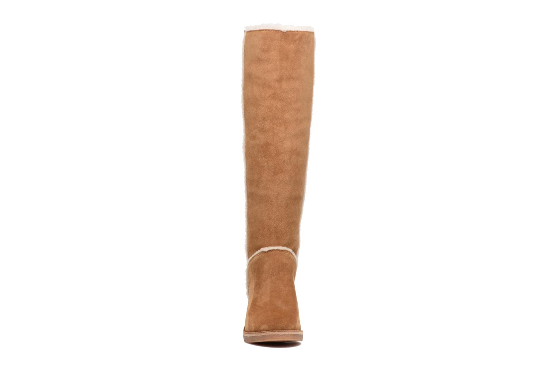Bottes UGG Kasen Tall Marron vue portées chaussures