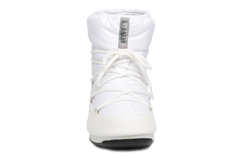 Chaussures de sport Moon Boot Low Nylon Blanc vue portées chaussures