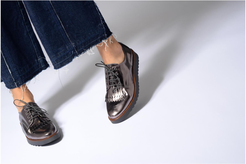 Chaussures à lacets Georgia Rose Guitou Noir vue bas / vue portée sac