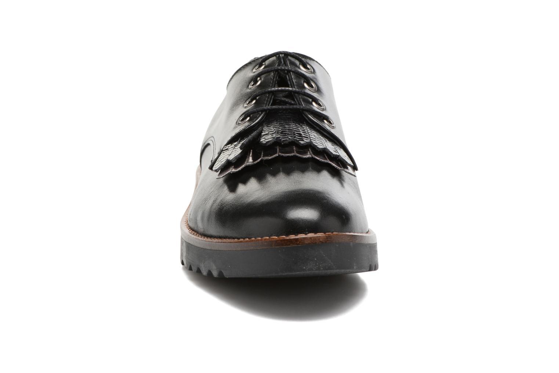 Chaussures à lacets Georgia Rose Guitou Noir vue portées chaussures