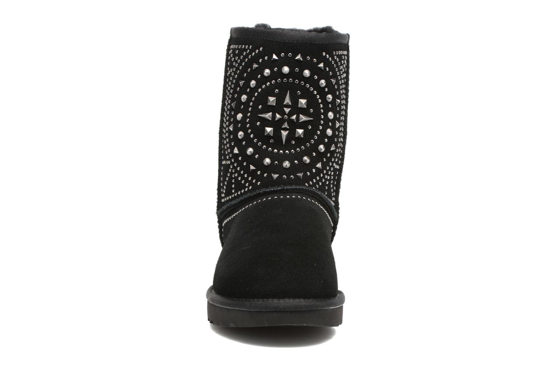 Bottes UGG Fiore Deco Studs Noir vue portées chaussures