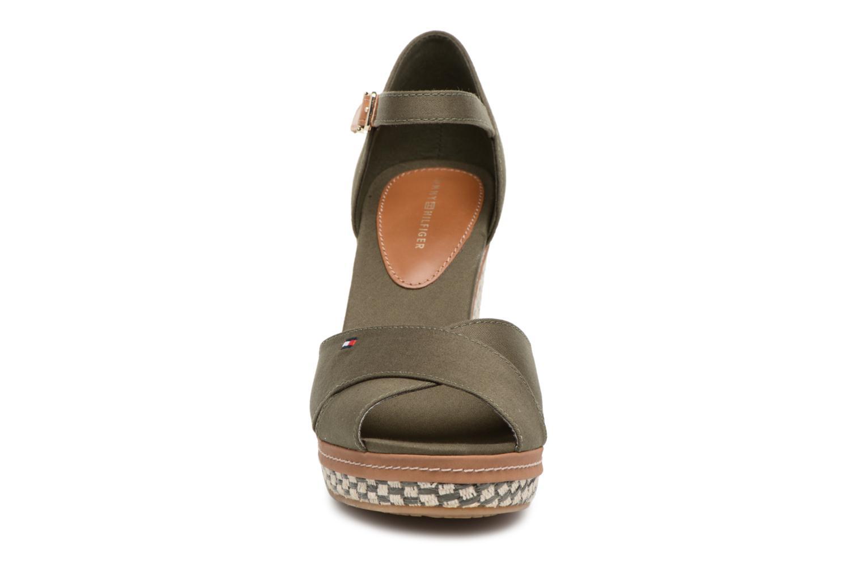 Espadrilles Tommy Hilfiger ICONIC ELENA BASIC Vert vue portées chaussures