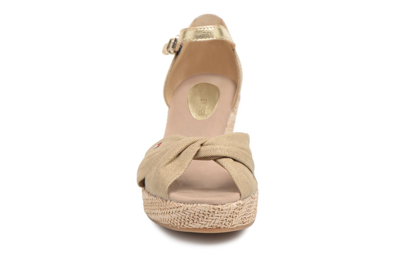 Espadrilles Tommy Hilfiger ICONIC ELBA METALLIC CANVAS Beige vue portées chaussures