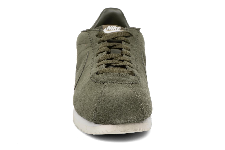 Deportivas Nike Classic Cortez Se Verde vista del modelo