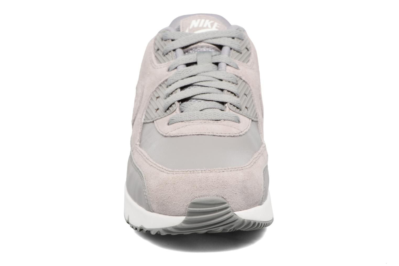 Baskets Nike Air Max 90 Ultra 2.0 Ltr Gris vue portées chaussures