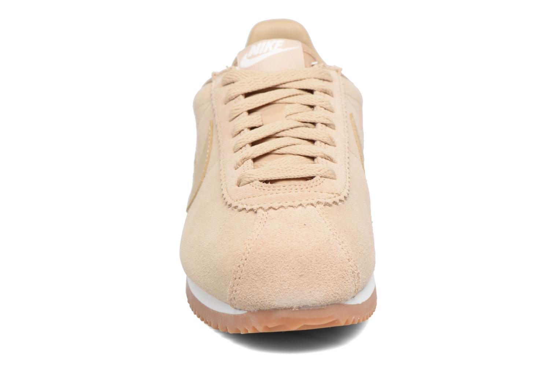 Baskets Nike Wmns Classic Cortez Suede Beige vue portées chaussures