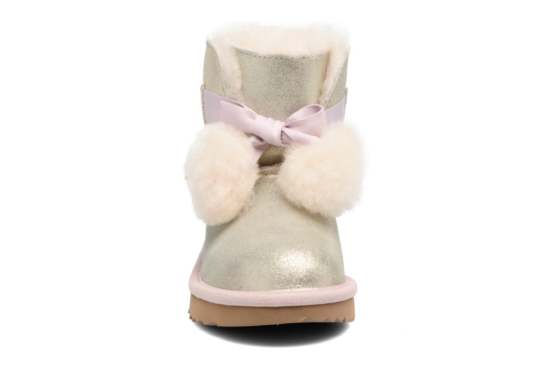 Bottes UGG Gita Argent vue portées chaussures
