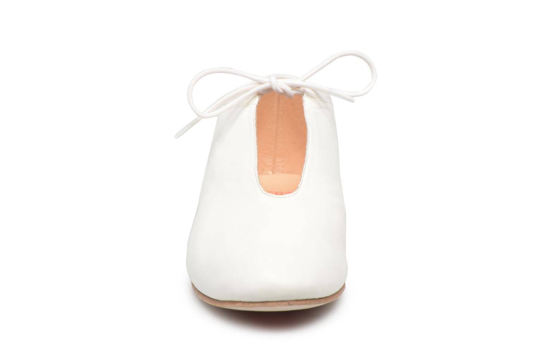 Chaussures à lacets Opéra national de Paris Elysee 1421 Blanc vue portées chaussures