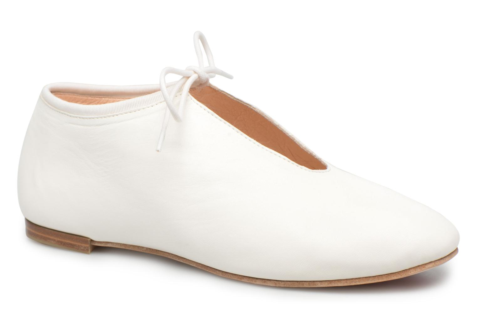 Lace-up shoes Opéra national de Paris Elysee 1421 White detailed view/ Pair view
