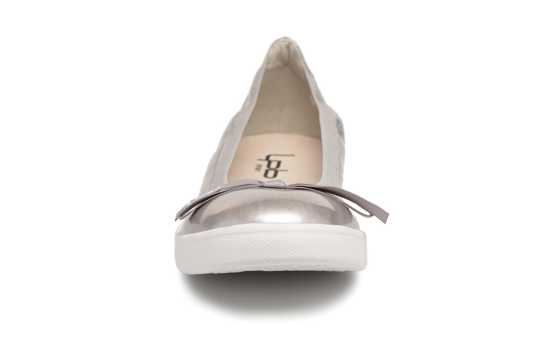 Ballerines Les P'tites Bombes Eva vernis Gris vue portées chaussures