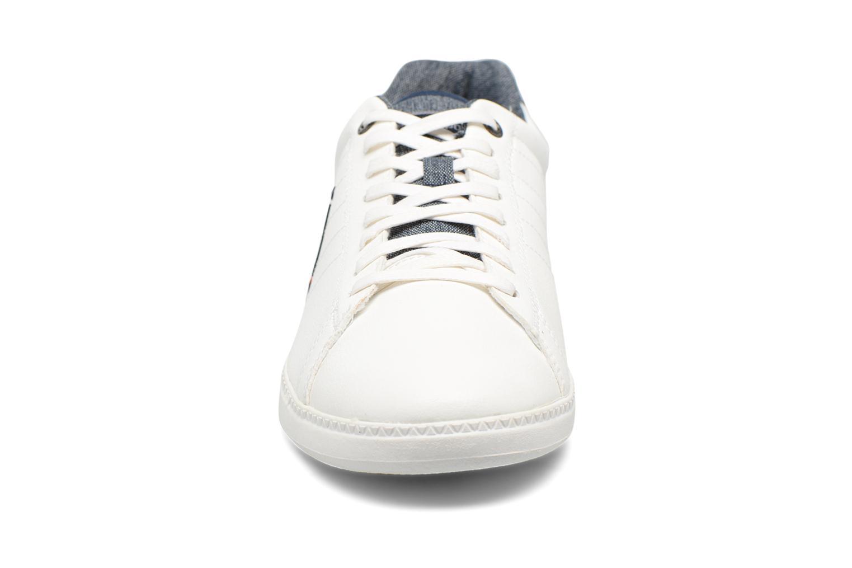 Baskets Le Coq Sportif Courtcraft S Lea/2 Tones Blanc vue portées chaussures