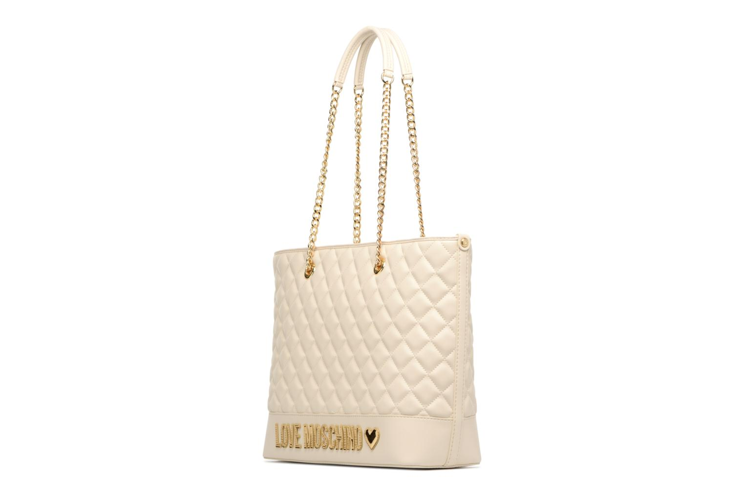 Sacs à main Love Moschino Cabas Chaine Super Quilted Blanc vue portées chaussures